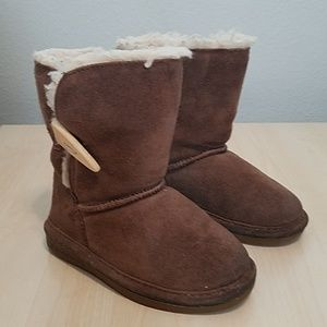 bearpaw beige fur lined boots size 12